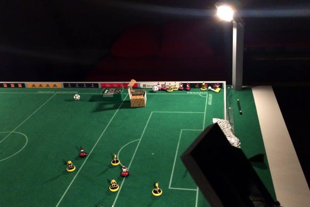 Wouldn't it be nice to have some floodlight stands surrounding you Subbuteo table? Here's a guide to construct some.